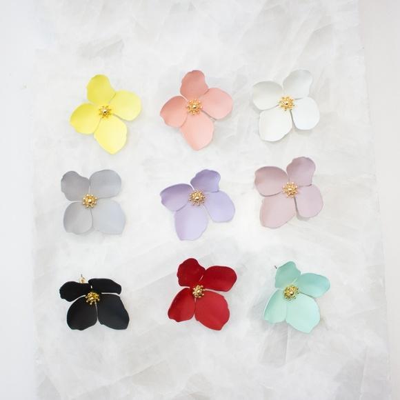 f5cc71b1d3949 Anthropologie  Garden Party  Earrings